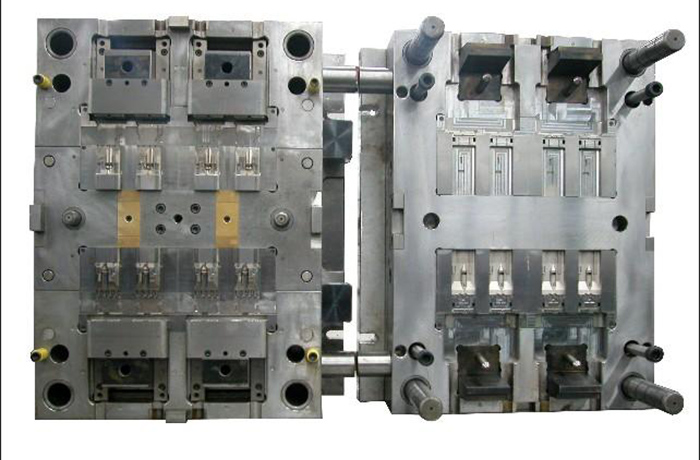 Plastic injection mold 002