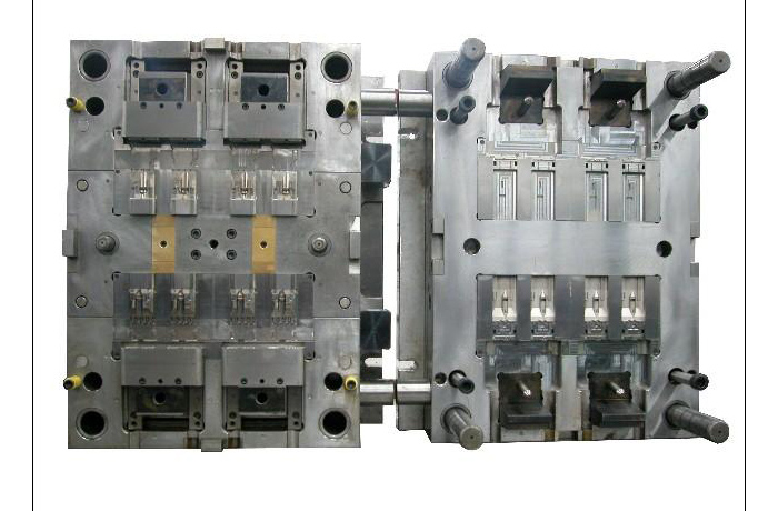 Plastic injection mold 003